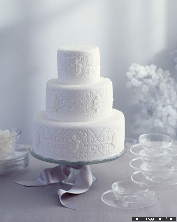 All White Wedding Cakes | SMD - Weddings Blog